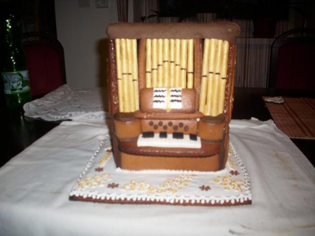 orgán do kostola na obetné  dary